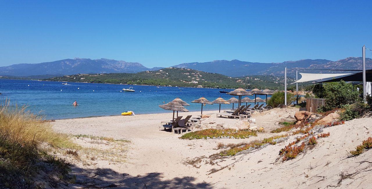 Louer une maison à Cala Rossa en Corse avec piscine