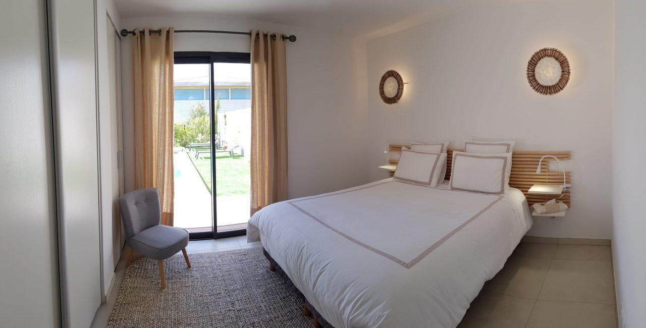 Location villa avec piscine près d'une plage Cala Rossa
